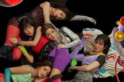 SM Red Velvet'in Bu Ay Comeback Yapacağını Doğruladı